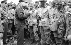 Eisenhower's visit to the 101st Airborne Division. Courtesy of Library of Congress (LC-USZ62-25600)